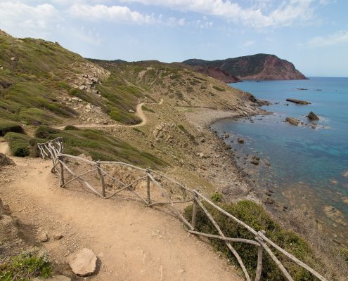 mountain biking Menorca tracks along the sea