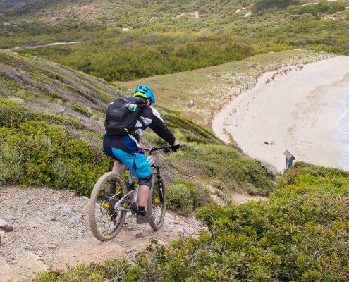 mountain biking Menorca Dustin going downhill